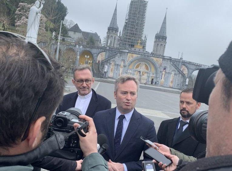 Jean-Baptiste Lemoyne était à Lourdes ce jeudi pour rencontrer des acteurs du tourisme, touchés par les conséquences du Covid19 - DR : Page LinkedIn JB Lemoyne
