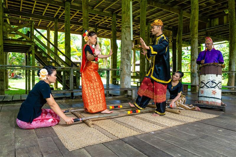 DR : Sarawak Tourism