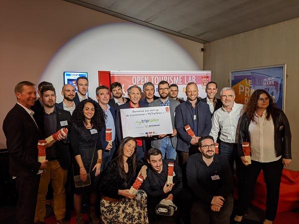 Emmanuel Bobin entouré de la 3e promotion de l'Open Tourisme Lab - Crédit photo : OTL