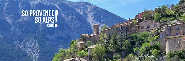 DR Marianne Casamance / Village de Brantes devant le Mont Ventoux