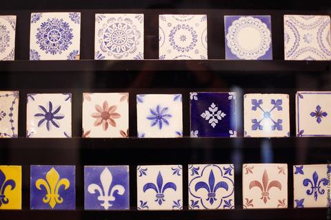 Des céramiques anciennes au musée Terra Rossa à Salernes. VisitVar.