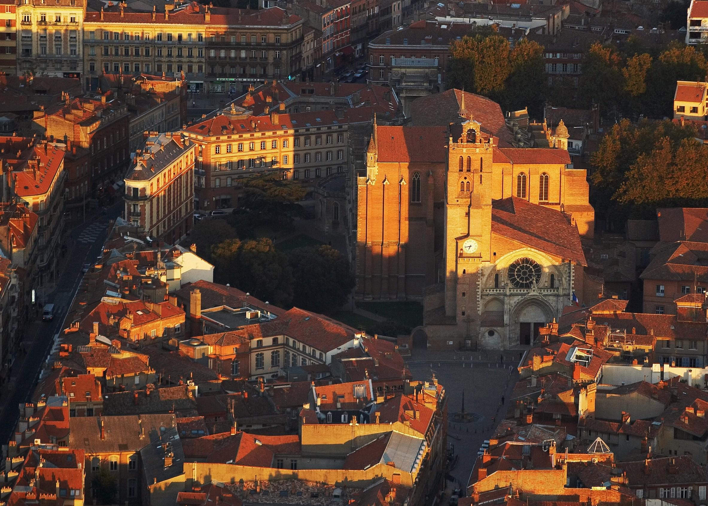 La ville rose au soleil couchant. Christine Chabanette.CRT Occitanie.