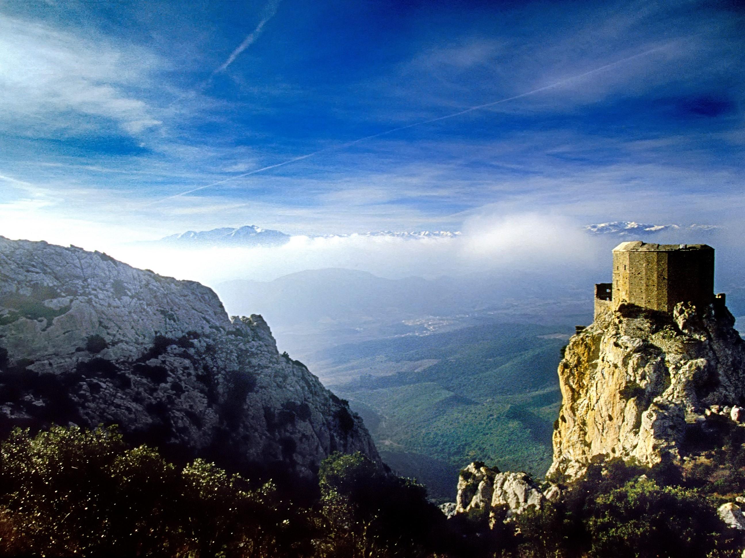 Le château cathare de Quéribus. G.Deschamps. CRT Occitanie.