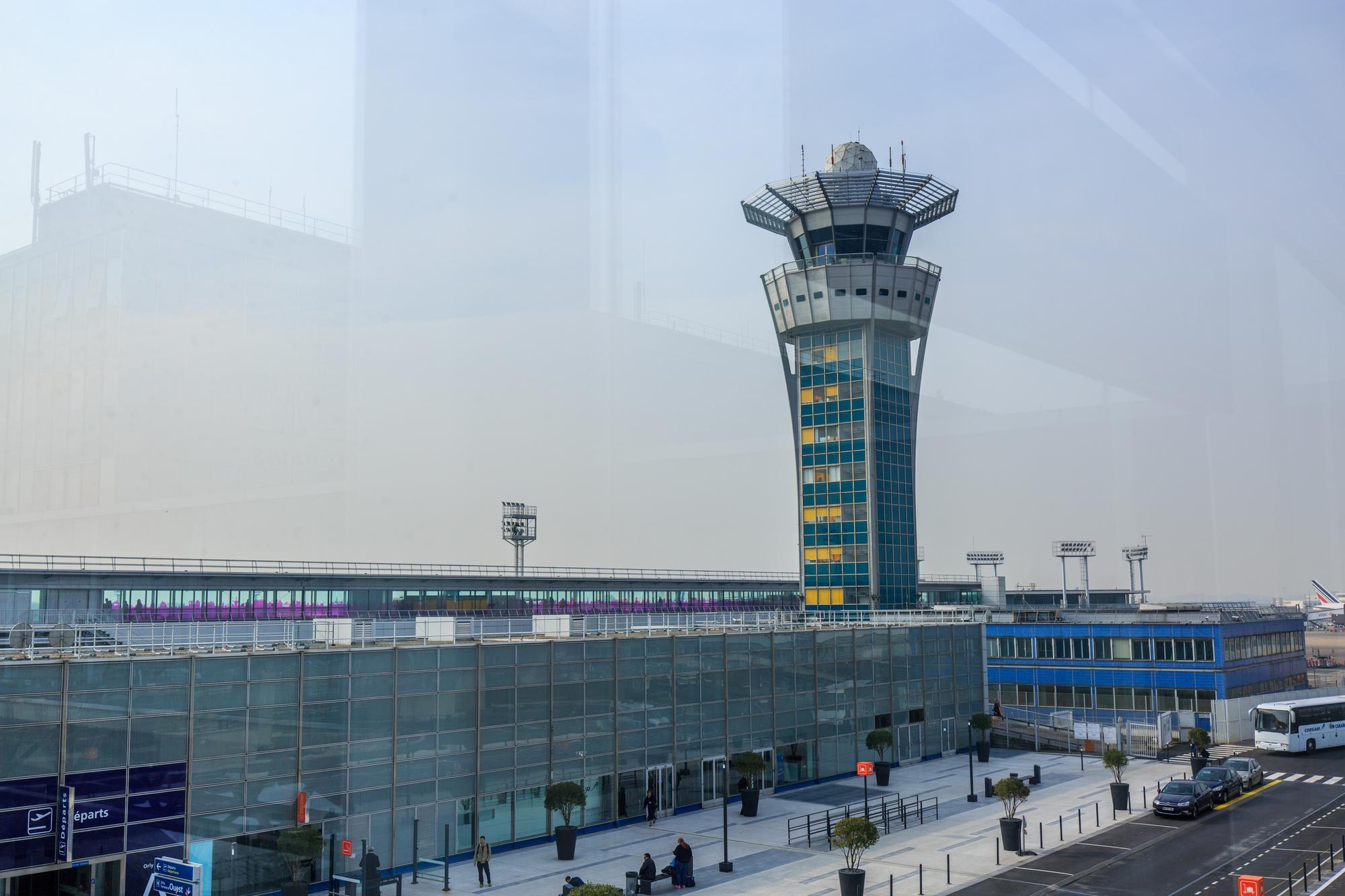 Le Groupe ADP rouvre le vendredi 26 juin l'aéroport Paris-Orly fermé au trafic commercial passager depuis le 1er avril dernier. /crédit DepositPhoto