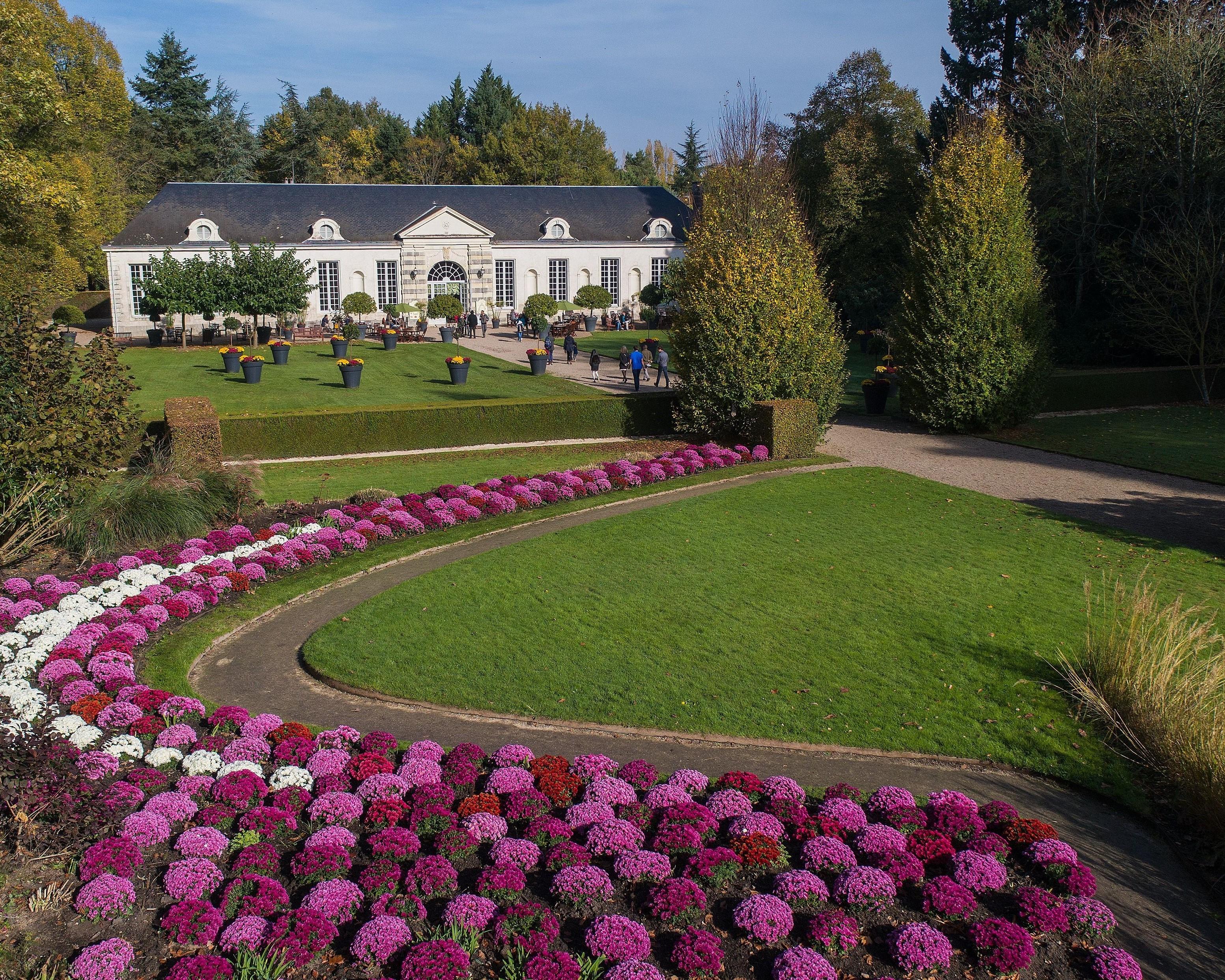 Château de Cheverny, vue sur les jardins et l'orangerie - DR : Delong Florence, CRT Centre Val de Loire