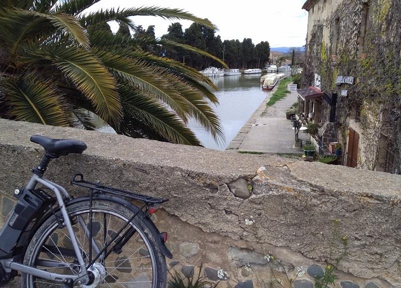 Le voyage est une découverte d'un lieu, mais est-ce suffisant si on passe à côté de son art de vivre local et de ses habitants ? Ici, vue sur le Canal du Midi - DR : GuideSud