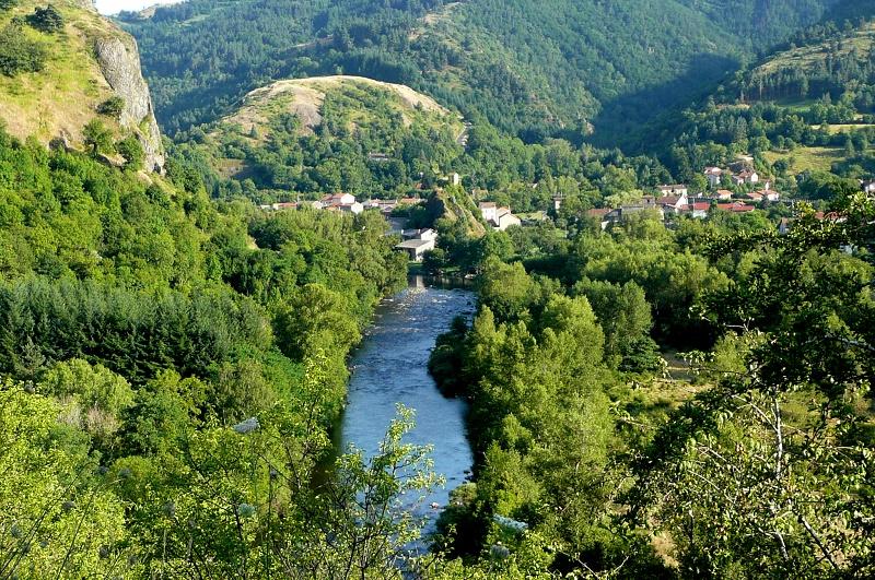 La Pèlerine propose un séjour d'une semaine de randonnée dans les Gorges de l'Allier, 100% chlorophylle et nature garanti ! - DR : La Pèlerine