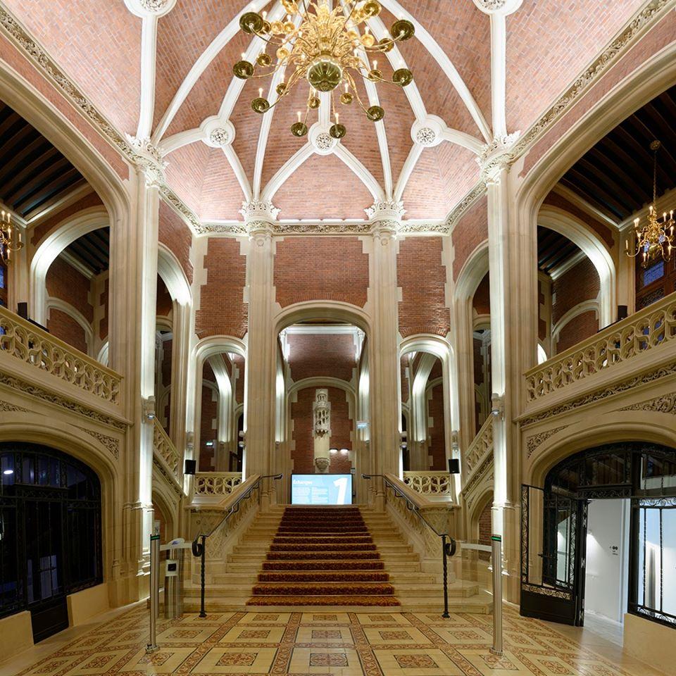 Le hall d'entrée et l'escalier d'honneur face à la salle de balle où Emile Gaillard donnait de somptueuses fêtes - DR : Fabrice Benaquista/Citéco