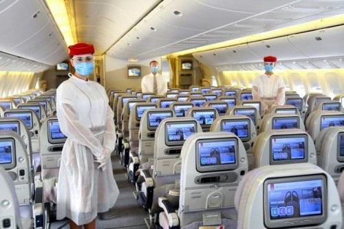 À bord des vols, les sièges sont pré-attribués, des sièges vacants étant placés entre les passagers seuls ou les familles afin de respecter les principes de distanciation sociale. - DR Emirates