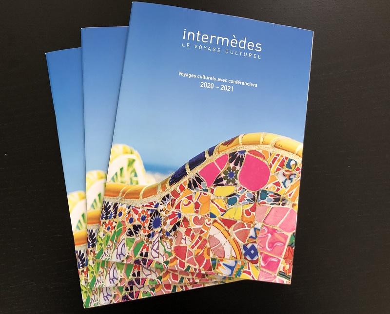La brochure Intermèdes 2020-2021, dont la maquette a été entièrement revue. Elle est sortie cet été et est centrée sur la France et l'Europe proche, sur lesquelles le voyagiste a encore en vente environ 150 départs programmés d'ici la fin de l'année. - DR