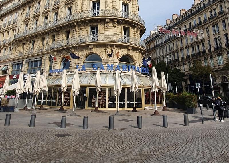 Les restaurants marseillais, comme ici sur la photo, et parisiens pourront rester ouvert en applicant le nouveau protocole renforcé - Crédit photo : Compte Twitter @David Coquille