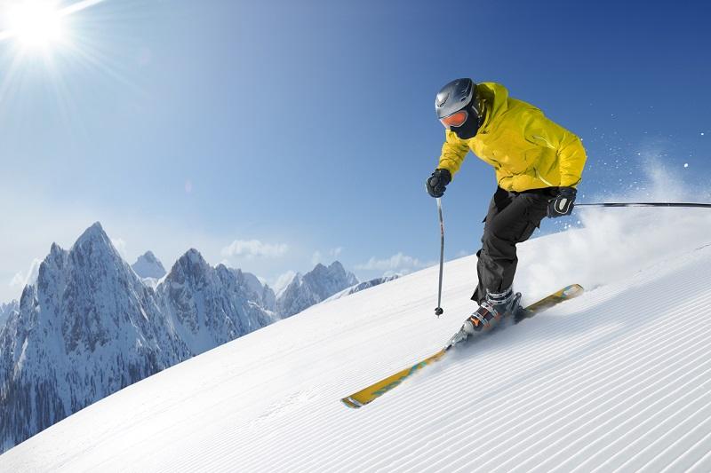 L'enjeu est de taille puisque la saison hiver génère 700 M€ de recettes sur la région et les deux tiers du chiffre d'affaires annuel pour le seul département des Hautes-Alpes - DR : Depositphotos.com, Dell640