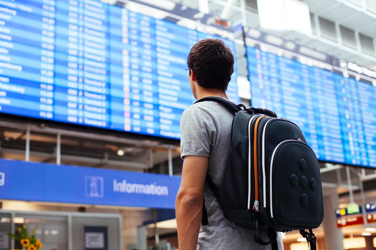 L'assistance implique que le passager obtienne le remboursement de son billet inutilisé dans les 7 jours de l'annulation ou son réacheminement dans les plus meilleurs délais - Depositphotos.com furtaev