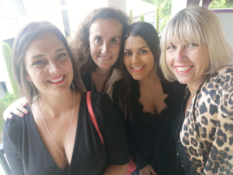 Ingrid Lexa à droite entourée de ses collaboratrices : Marie, Laure et Elodie - Photo IWL Voyages