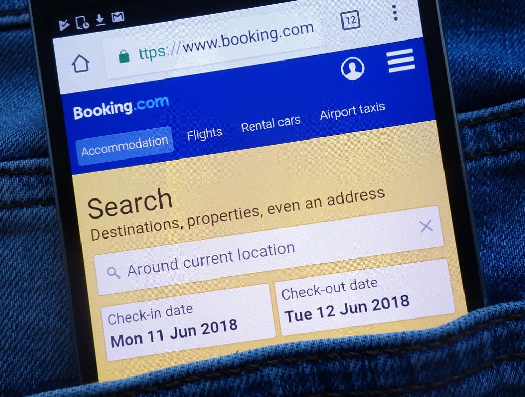 """Une newsletter envoyée aux clientspar Booking.com annonce """"Bonjour! Les vols sont arrivés"""" - Crédit photo : depositphotos @Piter2121"""