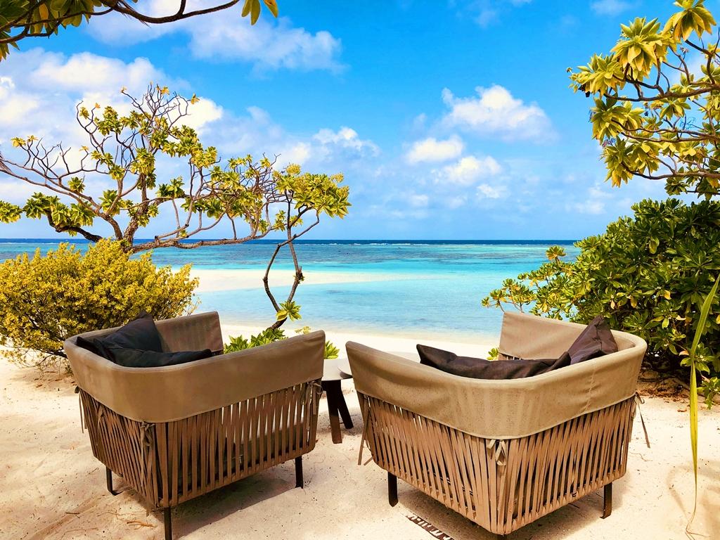 Parfaitement intégrées dans l'environnement, construites avec des matériaux traditionnels, toutes les habitations donnent sur une plage de sable fin /crédit photo JDL