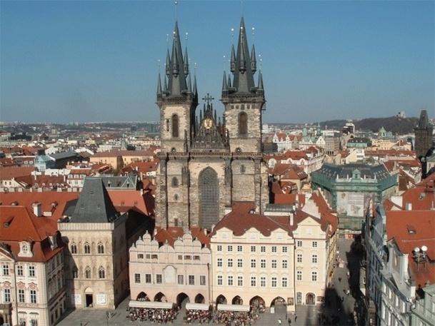 La place de la vieille ville, site touristique incontournable de la ville de Prague - Photo DR