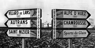 Années 1960. Georges Pompidou, Premier Ministre, crée un secrétariat d'État au Tourisme. Epoque des grands projets touristiques avec l'aménagement des stations de sports d'hiver de haute montagne et la préparation des JO d'hiver à Grenoble (1968) - DR
