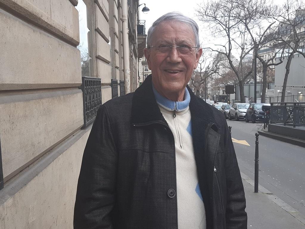 """Jean-Claude Rouach, président du SNAV de 1979 à 1983, le """"doyen"""". Sur la photo, devant la Maison du Tourisme, 15 avenue Carnot à Paris (17e) - DR : M.S."""