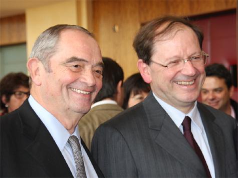 Georges Colson et Hervé Novelli. Sa loi va modifier l'accès au métier d'agent de voyages ainsi que sa règlementation. Entre ce ministre et les pros du tourisme, le courant passe - DR