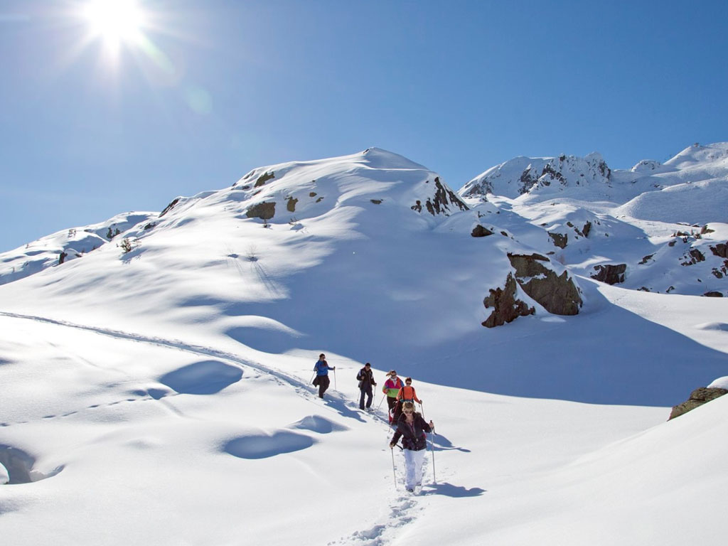 Survol du domaine skiable des Sybelles et des 6 stations à bord d'un ULM avec Seb Blanchon - DR