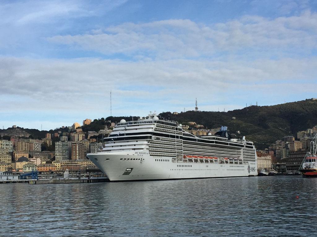 Le MSC Magnifica au port de Gênes en Italie - DR