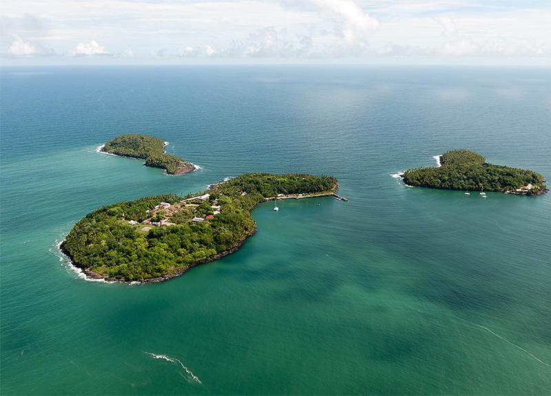 Vue aérienne des 3 îles – CNES - © Optic Vidéo
