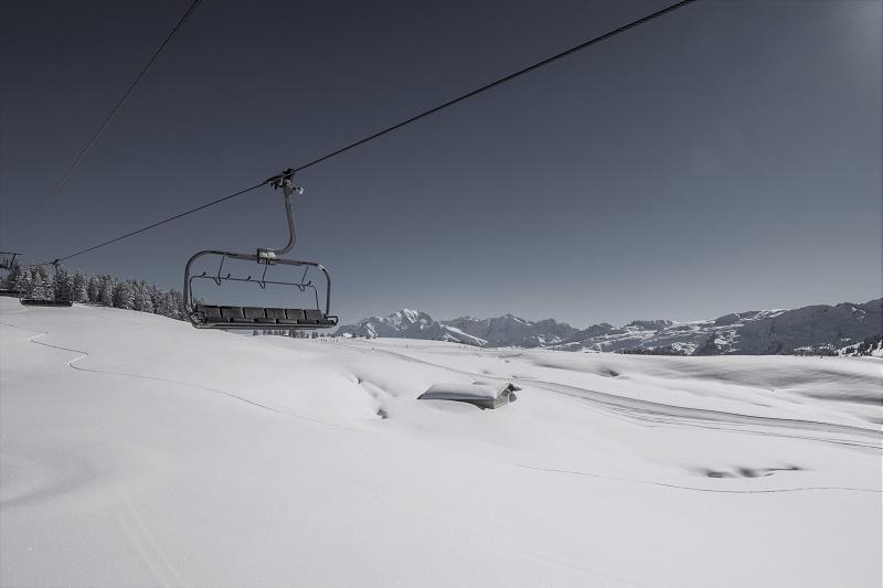 Les 112 stations de Savoie Mont Blanc ont déjà perdu 1,7 milliard d'euros en raison de la fermeture des remontées mécaniques - DR : Savoie Mont Blanc, Bijasson