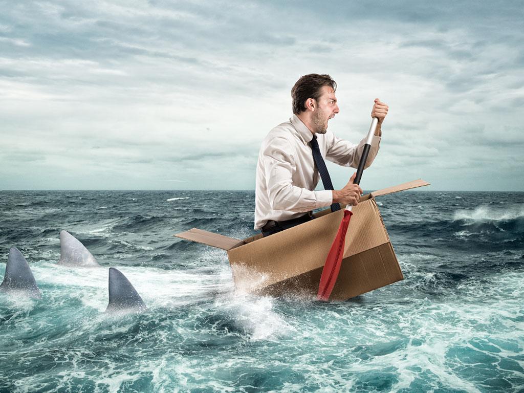 """""""2021 mais aussi 2022 verront le risque de défaut de paiement s'accroitre fortement pour des milliers d'entreprises, provoquant un autre risque pour les fournisseurs : celui de la propagation de la défaillance des clients. Gare à l'effet domino !"""" - Depositphotos.com alphaspirit"""