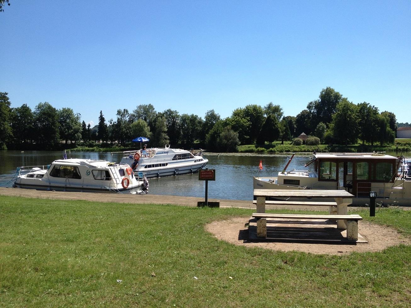 Scey-sur-Saône et Saint -Albin_13 halte fluviale ©OT Des Combes à la Saône
