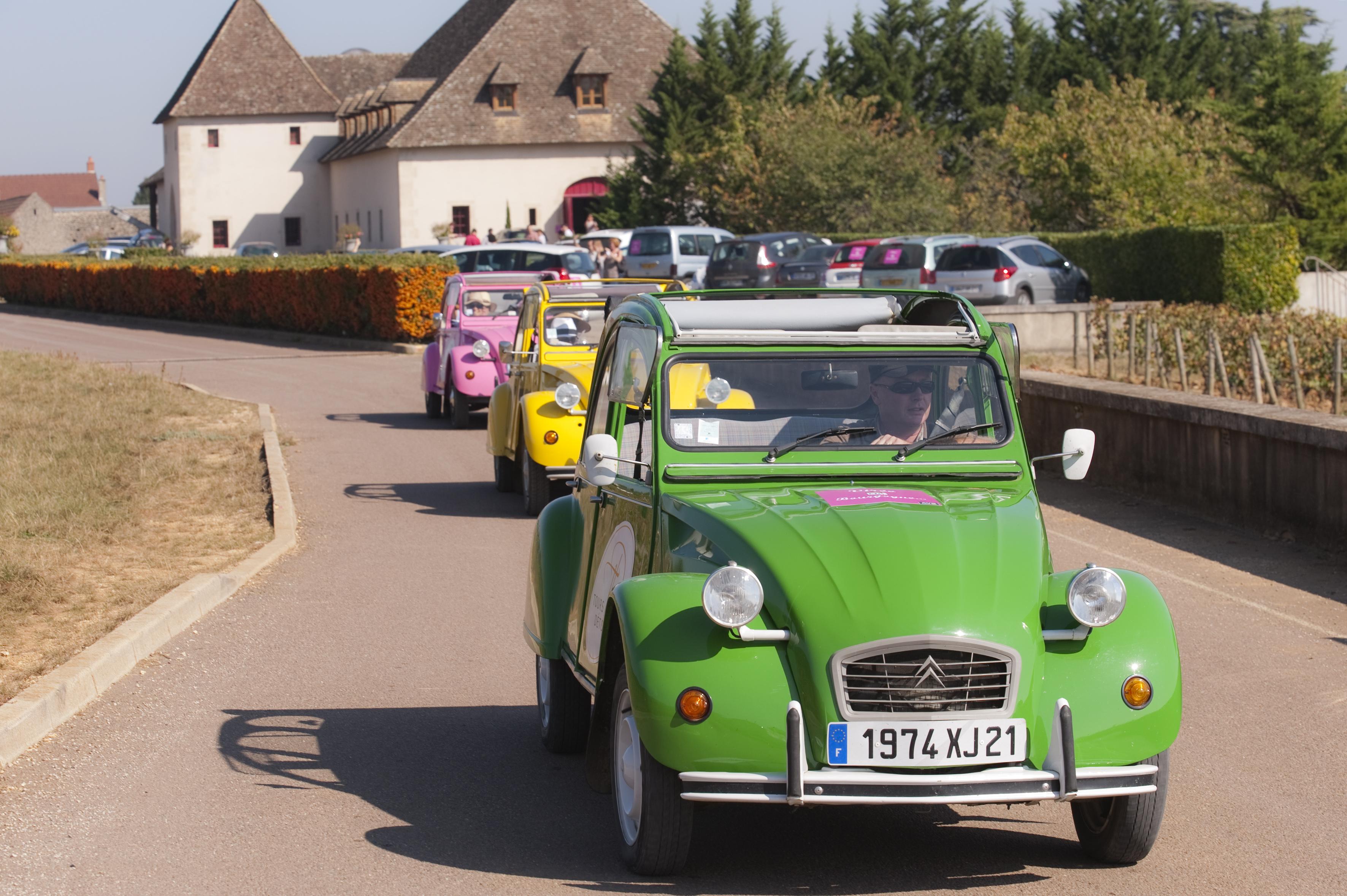 Escapade en 2 CV, Route des Vins - Photo Alain Doiré, Bourgogne-Franche-Comté Tourisme