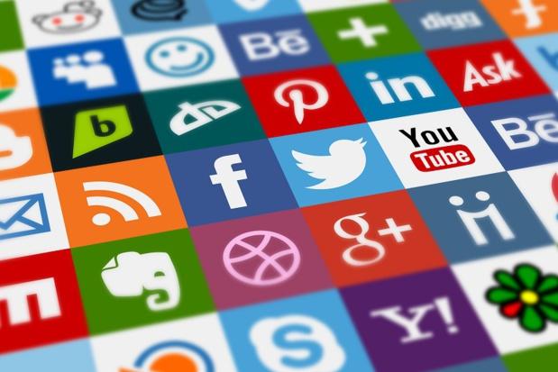 plus de 1,3 million de nouveaux utilisateurs ont rejoint les médias sociaux chaque jour en 2020 - Depositphotos.com Art101