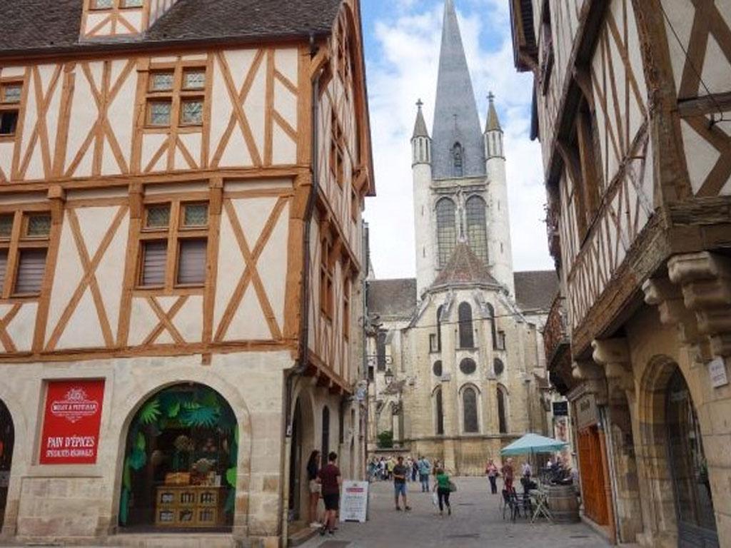 Eglise Notre Dame à Dijon - Photo Virginie BRETON / Blog Chroniques d'une Chocoladdict