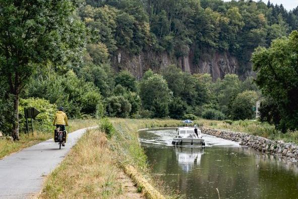 La Voie Bleue à Fontenoy dans l'Yonne - Photo Un Monde à Vélo/Bourgogne-Franche-Comté Tourisme
