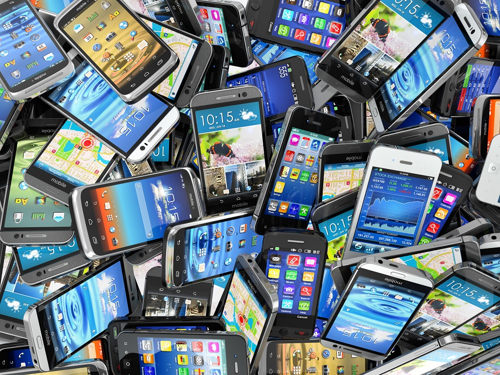 Certains fournisseurs de services de mobilité peuvent transmettre des renseignements intéressants sur la fréquentation d'un territoire et le déplacement des populations à partir des données issues de la téléphonie mobile - Depositphotos.com maxxyustas