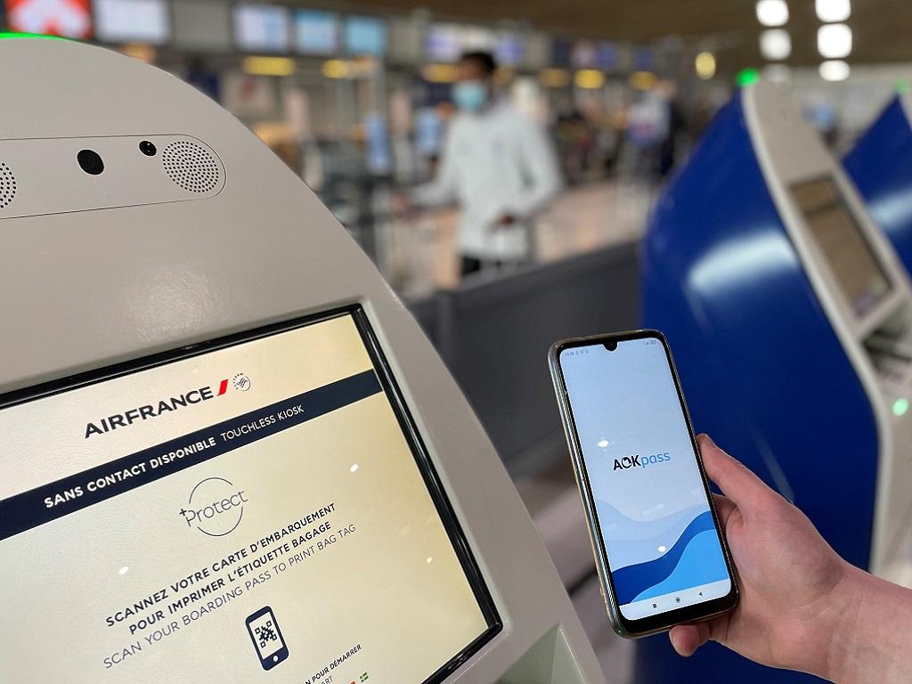 """""""Pour tout vous dire, nous sommes accrédités à l'immigration à Singapour donc avec un AOKpass, il est possible de passer la douane"""" explique Sébastien Bedu - Crédit photo: AOKpass"""