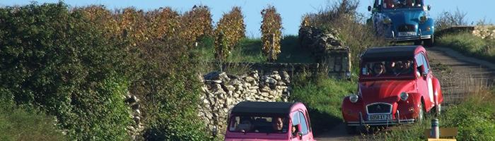 Rallye en 2CVs en Côte de Beaune, vignobles de Bourgogne © 2CV Bourgogne Tours / Exclusive France Tours