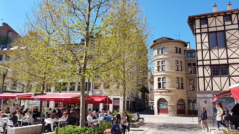 Place du Peuple Saint-Etienne © Julian Barriere
