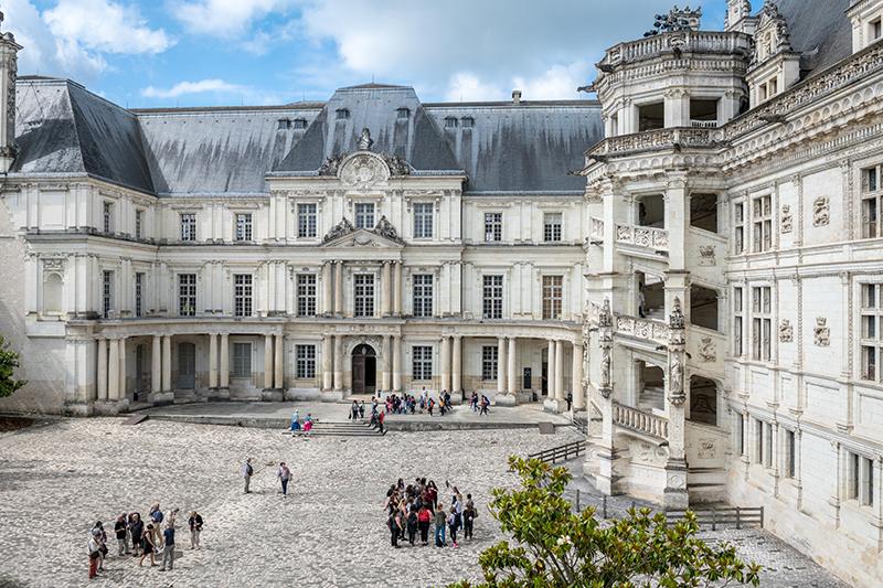 © F. Christophe - Cour du Château royal de Blois