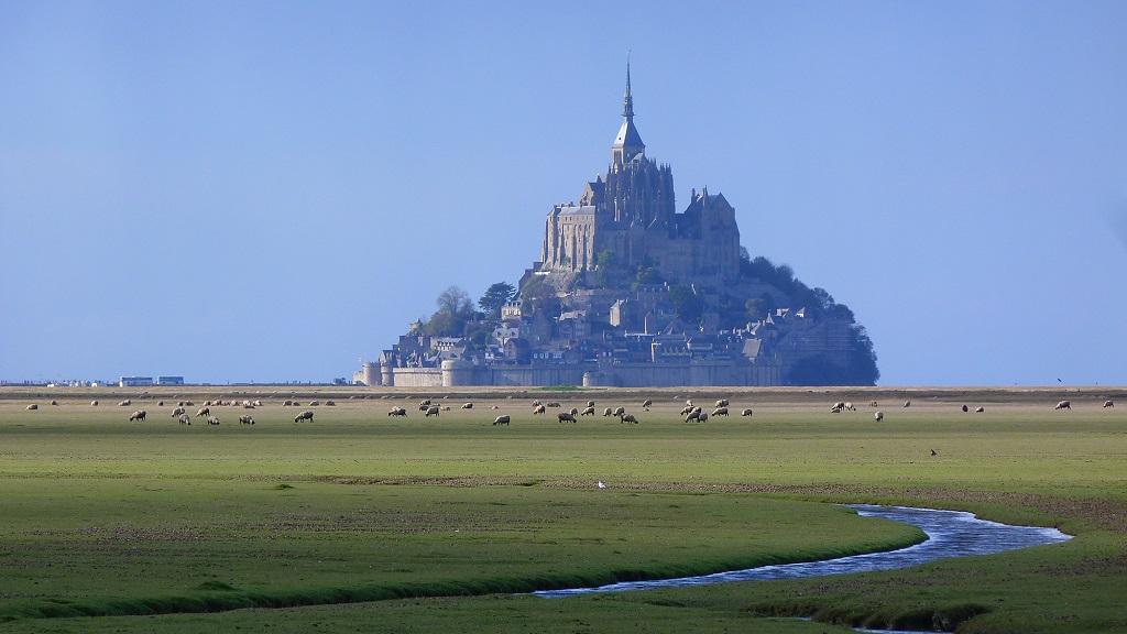 Racines Voyages, propose de vivre l'expérience du Mont Saint-Michel, avec visite guidée de son abbaye, et une promenade ludique et conviviale dans la Baie. - DR : Stéphane Lesauvage