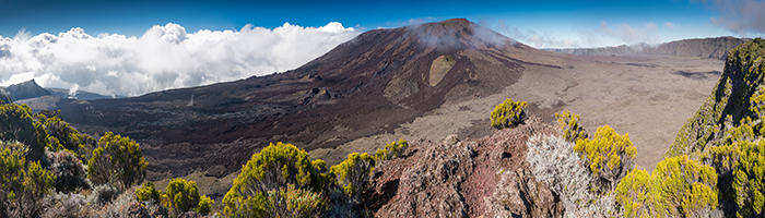 Volcan Piton de la Fournaise © shutterstock 709647436