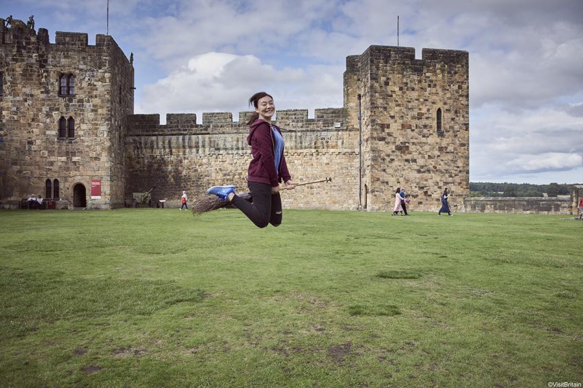 Cours de Quidditch au château d'Alnwick ©VisitBritain