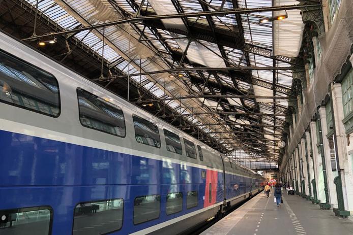 La SCNF va mener une expérimentation de 3 mois sur la ligne Paris-Granville autour d'un biocarburant - Crédit photo : JDL