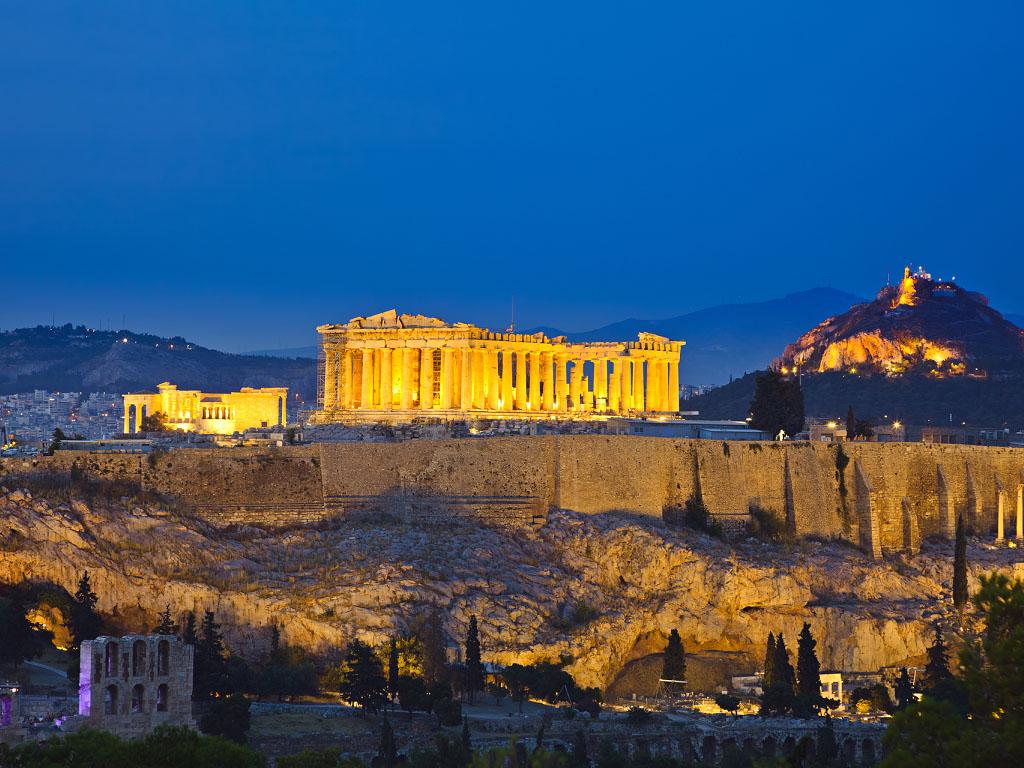 La saison touristique en Grèce débutera bien le 15 mai selon les dernières annonces du Premier Ministre grec - Depositphotos.com sborisov