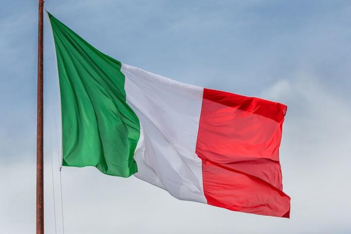 En Italie, dès le 26 avril 2021, les restaurants et les bars rouvriront dans la zone jaune pour le déjeuner et le dîner, mais uniquement à l'extérieur - Depositphotos.com Michael6882