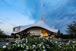 Centre Pompidou-Metz © Shigeru Ban Architects Europe et Jean de Gastines Architectes, avec Philip Gumuchdjian pour la conception du projet lauréat du concours / Metz Métropole / Centre Pompidou-Metz / Photographie : Studio Hussenot