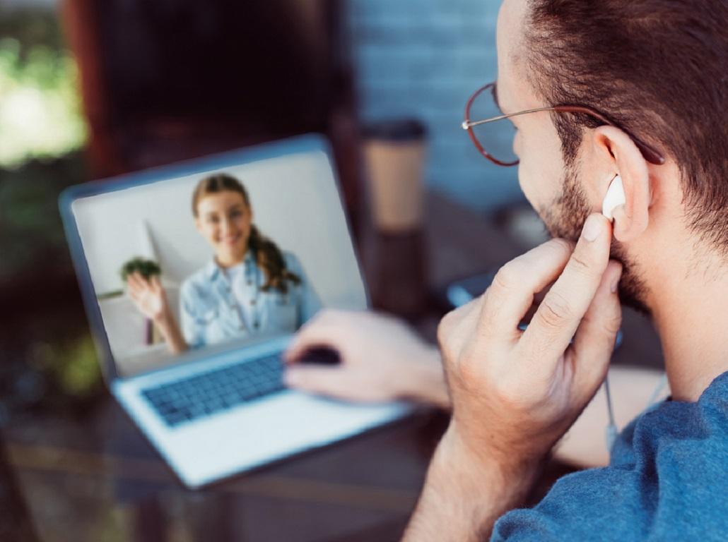Le télétravail à 100% est imposé jusqu'au 9 juin. Ensuite, les employeurs pourront à nouveau définir le nombre de jours de travail à distance qu'ils souhaitent instaurer dans leur entreprise. - Depositiphotos