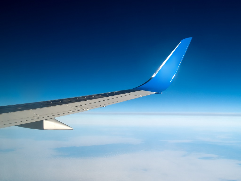 Le Ministère de l'Europe et des Affaires reste prudent et continue de déconseiller tous déplacements à l'étranger - Depositphotos.com antony84