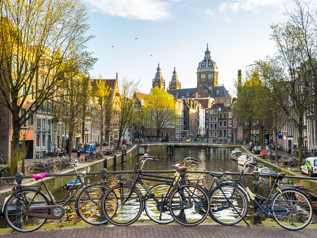 En 2019, Amsterdam qui compte moins de 900000 habitants recevait le chiffre hallucinant de 21.7 millions de visiteurs - Depositphotos.com ixuskmitl@hotmail.com