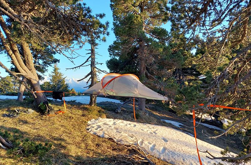 Nuit en tente suspendue © Étienne Loisel